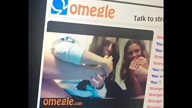 Omegle lesbian toes sucking
