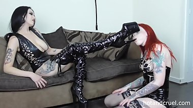 Tattooed Brit Roo Worships Ruby Alexia's Latex Boots - Lesbian Domination