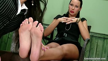 Czech domina gets foot-worshipped