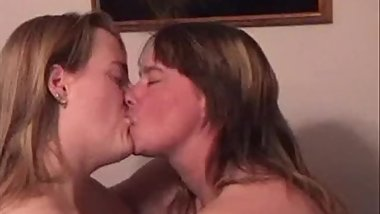 BBW Lesbians makeing out