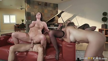 Angela White, Phoenix Marie - Dinner For Cheats - /1rMLg