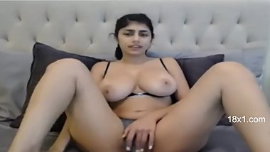 Hot Mia Khalifa Sex Cam