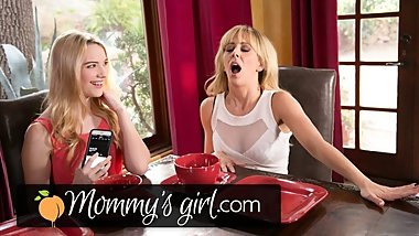 Daughter Controls Step Mommy's Vibrating Panties at Dinner With Dad!