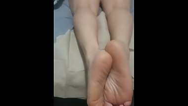 cum on my best friend's lesbian feet