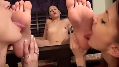 Lesbian soles worship, pleasure of the sole