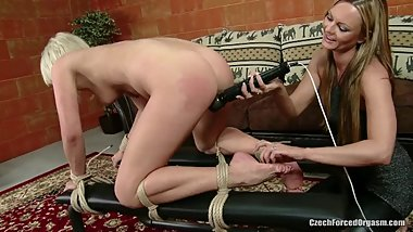 Tickling-Submission Irena loves vibrating dildo