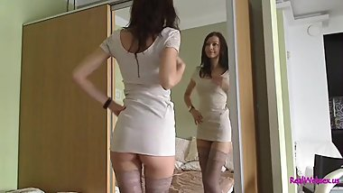 Patricia undresses and jerks off shaved pussy with a vibrator on Cam.