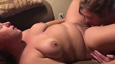 GF can lick pussy too! She gives her friend sloppy, wet orgasms
